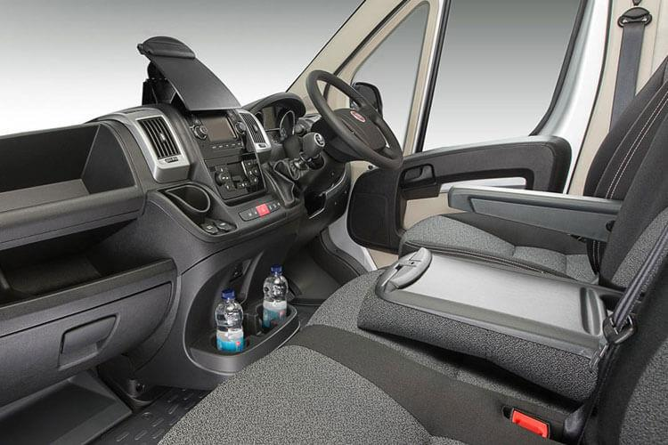Fiat Ducato e-Ducato35MWB Passenger M1 E 47kWh 90KW FWD 122PS  Combi High Roof Auto [7kW&50kW Rapid Charger] inside view