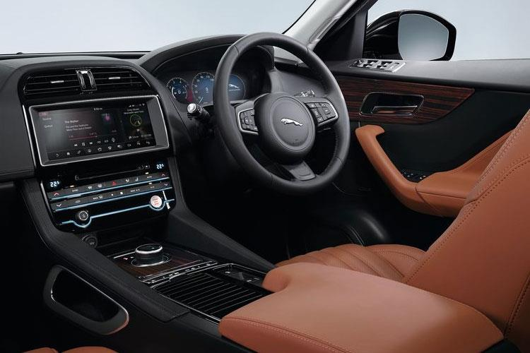 Jaguar F-PACE SUV AWD 2.0 d MHEV 204PS R-Dynamic S 5Dr Auto [Start Stop] inside view